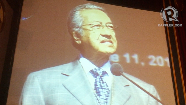 UST LECTURE. Former Malaysian Prime Minister Mahathir Mohamad delivers a lecture at the University of Santo Tomas, which conferred on him the title honorary professor.