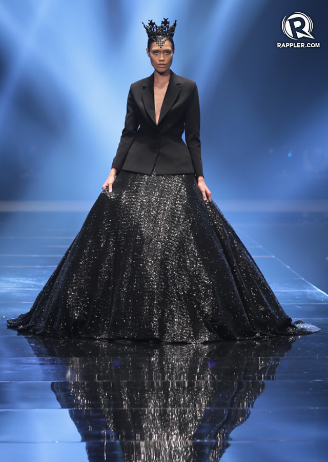 Michael Cinco S Couture Glitters At Philippine Fashion Week