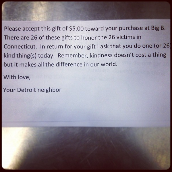 PASS IT ON. 26 acts of kindness is one thing we'd love to go viral. Photo from @chelsmalls' Instagram.