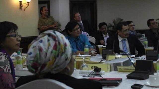 DEVELOPMENTS. The respective panels of the government and the Moro Islamic Liberation Front draft their joint closing statement. Photo from OPAPP's Twitter account