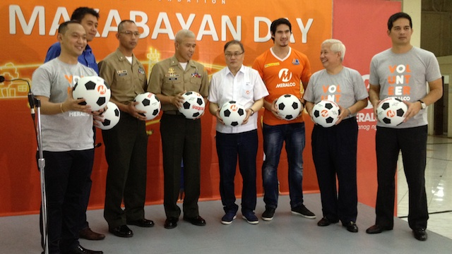 MORE BALLS. Major Cabanlet, BGen Valdez and Manny Pangilinan (in the center) during the turnover ceremony on Friday, July 13.