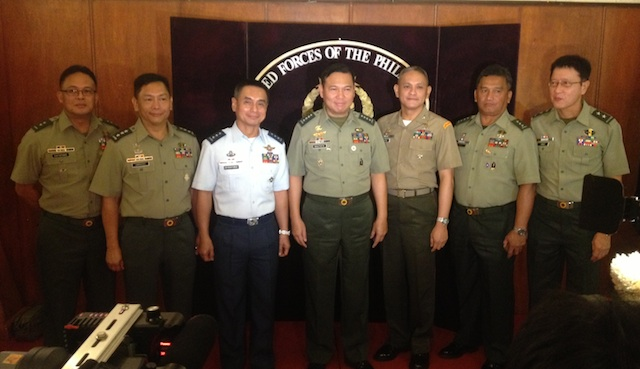 COMMAND CONFERENCE: The Armed Forces of the Philippines hopes to end the insurgency by 2016. Photo by Carmela Fonbuena