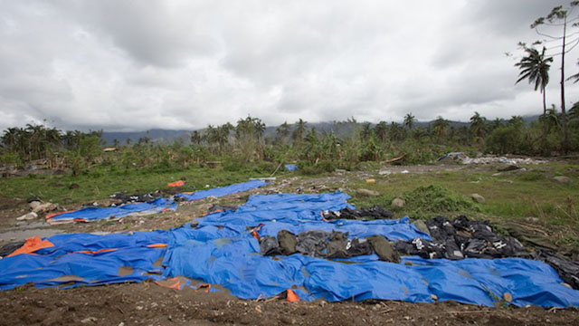 UNBURIED BODIES. Hundreds of bodies remain unburied in New Bataan, Compostela Valley. Photo by John Javellana/Dec 25