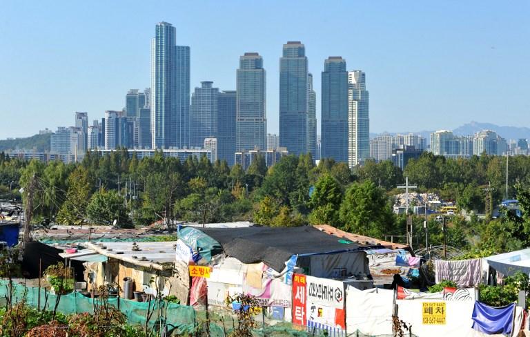 Seoul slum life in the shadow of 'Gangnam Style'