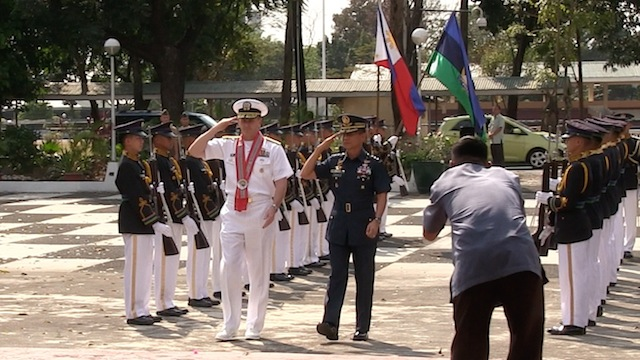 ARRIVAL HONORS. US navy chief of naval operations Admiral Admiral Jonathan Greenert. Photo by Carmela Fonbuena