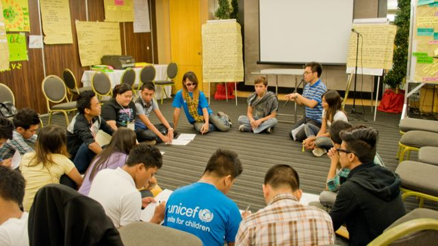 TRAINING WORKSHOPS. Youth leaders discuss concrete steps to promote HIV awareness in their communities. Photo by Katerina Francisco