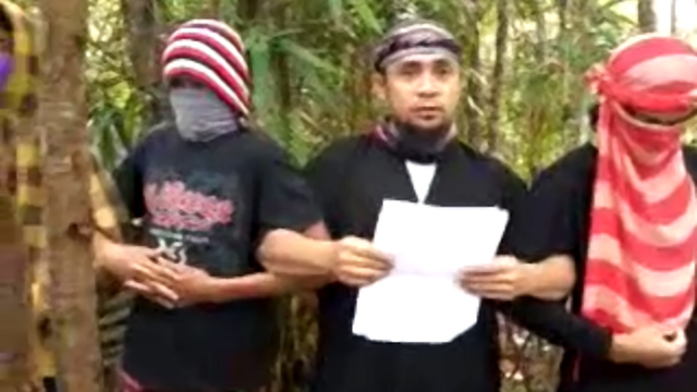 LOYALTY TO THE ISLAMIC STATE. Senior Abu Sayyaf leader Isnilon Hapilon swears allegiance to ISIS