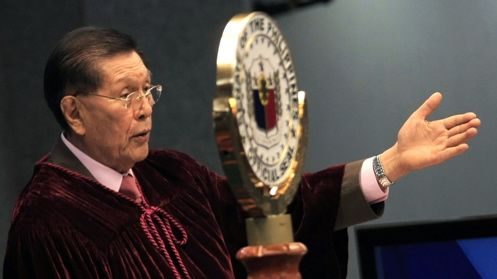 LAST CHANCE. Senate President Juan Ponce Enrile decides to give Corona only until Friday to return to the witness stand. Photo by Joseph Vidal/PRIB/Senate pool
