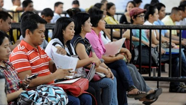 JOBS. Creating decent work for Filipinos is single biggest challenge for government, says Economic Planning Secretary Arsenio Balisacan. Photo by AFP