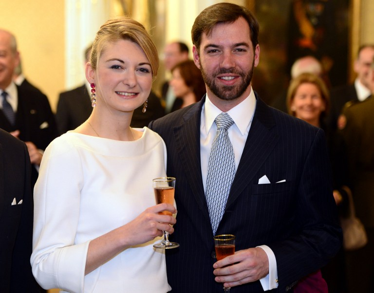 Belgian Countess Stephanie de Lannoy (L) and Prince Guillaume, hereditary Grand-Duke of Luxembourg pose at the official ceremony for Prince Guillaume of Luxembourg to present his fiancee on April 27, 2012 at the Grand-Ducal palace in Luxembourg. AFP PHOTO/BELGA /ERIC LALMAND