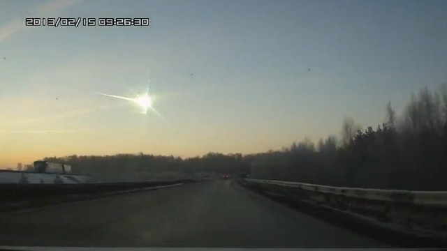 METEORITE EXPLOSION. A meteorite streaks across the sky in Russia. Screen shot from Youtube.