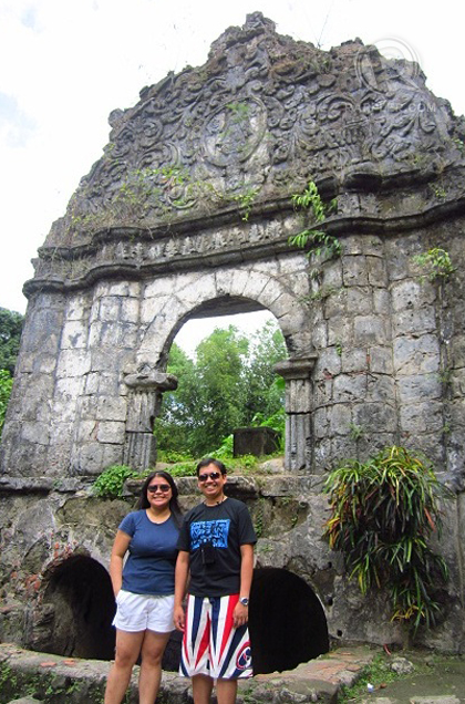 AT THE MIRACULOUS Sta. Lucia Well. Photo by Bennet Amoroso