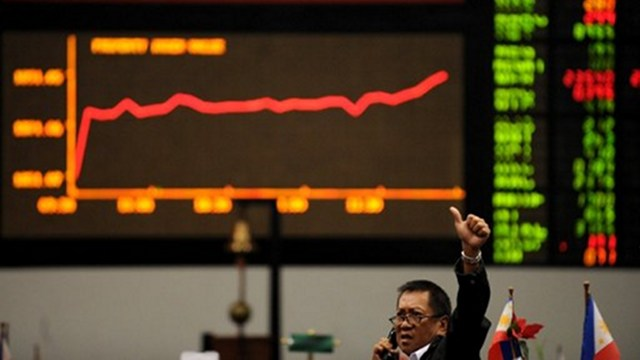 MORE STRINGENT. The Philippine Stock Exchange is implementing its minimum public ownership requirement for listed firms to continue having access to public money. Photo by AFP