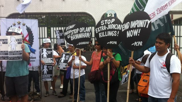ENVIRONMENTAL DEFENDERS. Activists protest against impunity in front of Camp Aguinaldo. File photo by Voltaire Tupaz