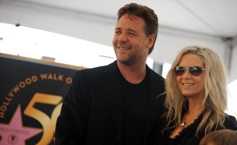Russell Crowe splits from wife