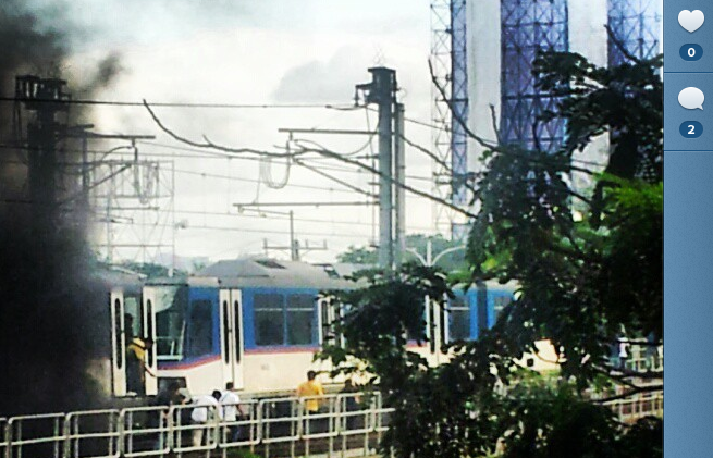 SMOKE. A train at the MRT GMA-KAMUNING station emitted smoke. Photo by Instagram user Lemlorca