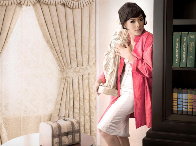 """THE VENUS AFFAIR."" Maja Salvador captures Hepburn's quirky femininity. Photograph by Miguel Miranda"