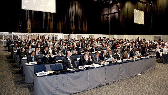 SIDING AGAINST. Delegates at the Formal Heads of Delegation Meeting, WCIT 2012, Dubai U.A.E., 3-14 December 2012. Photo from ITU on Flickr.