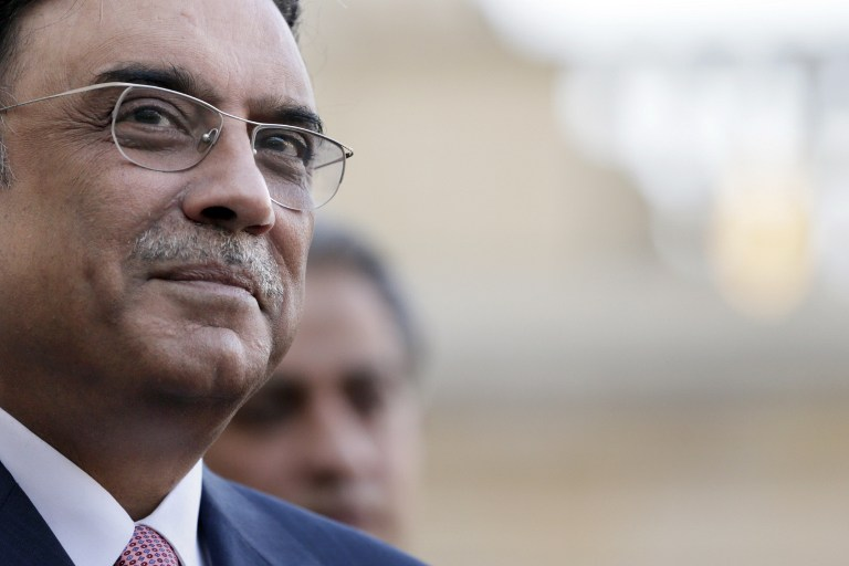 PRESIDENTIAL IMMUNITY. Pakistan's President Asif Ali Zardari gives a press conference after a meeting with his French counterpart at the Elysee presidential palace on December 11, 2012 in Paris. Kenzo Tribouillard/AFP