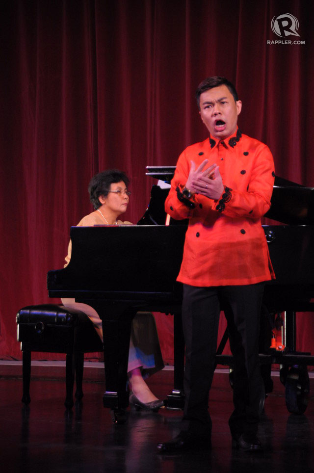 UPLIFTMENT. Singer Joseleo Logdat and pianist Belinda Baltazar perform the night's doxology