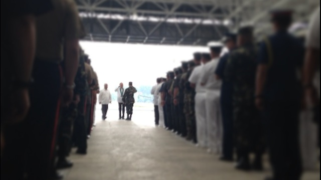 HEROES OF ZAMBOANGA: President Benigno Aquino III leads awarding ceremonies for 12 officers and 6 enlisted personnel