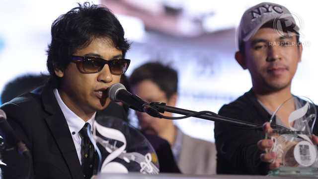 Ely Buendia and band Pupil receive the award