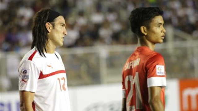 143rd IN THE WORLD. Azkals striker Angel Guirado (L) during the semifinals first game in Manila. Photo by Franz Lopez