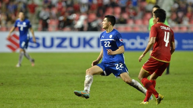 OUT OF TIME. The Azkals scored late but ended up with no time left to equalize against Thailand. Paul Mulders (R) scored the only goal for the Philiipines. Photo by Anton Sheker / www.goal.ph