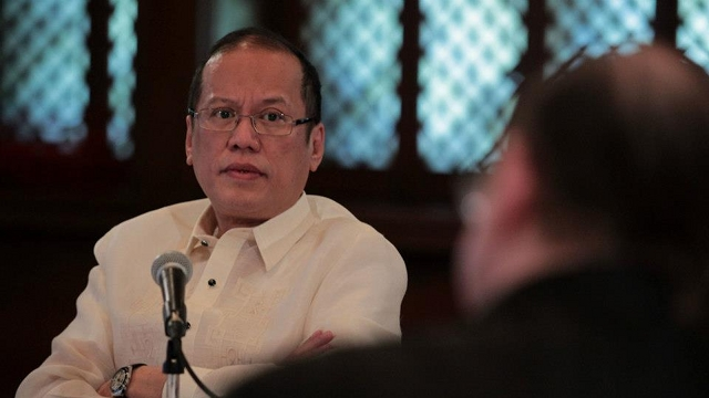 FOR DISCUSSION. Malacañang says the proposal to impose a holiday gun ban will still have to be discussed with President Benigno Aquino III. File photo by Malacañang Photo Bureau