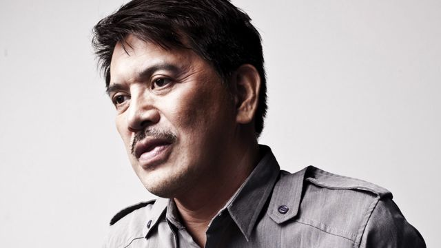 FOR BRILLANTE MENDOZA, FILMMAKERS should be biased only to the truth. Photo by Cholo dela Vega. Grooming by Georginna Desuasido.