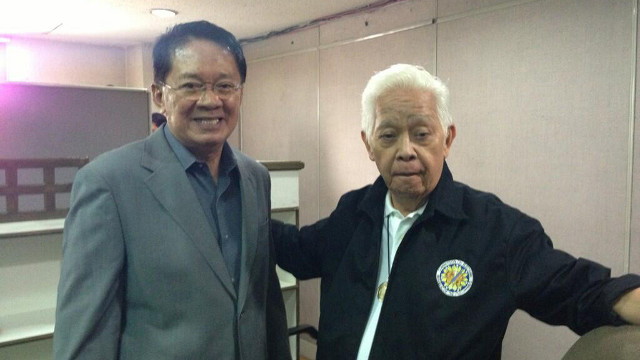 NEW COMMISSIONER. Newly-appointed Comelec commissioner Macabangkit Lanto with chairman Sixto Brillantes Jr. Photo tweeted by Brillantes