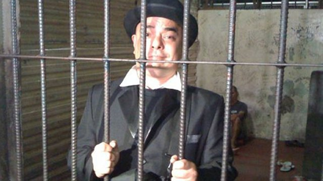PRISION. The popular guide may now face a prison term for his 2010 protest, which courts said offended religious sentiment. Photo courtesy of Carlos Celdran's Facebook.