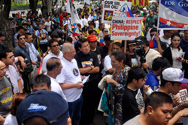 RALLY ORGANIZERS. The West Philippine Sea Coalition urges Filipinos to protest against China's claims through other means. Photo by Rappler/LeANNE Jazul