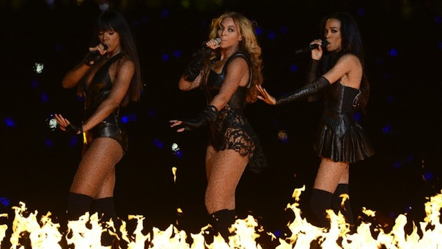 DESTINY REUNITED. Kelly Rowland, Beyonce, and Michelle Williams - members of the girl band Destiny's Child - perform during the Super Bowl XLVII Halftime Show at the Mercedes-Benz Superdome on February 3, 2013 in New Orleans, Louisiana. AFP PHOTO / TIMOTHY A. CLARY