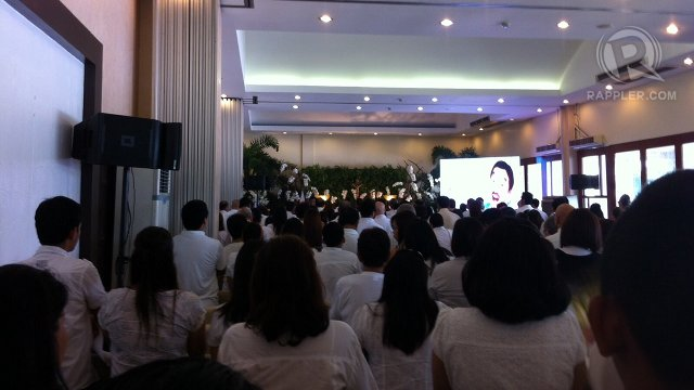 LAST MASS. A sea of white at an intimate mass, the last of series since Dolphy passed away on Tuesday, July 10. He was 83.