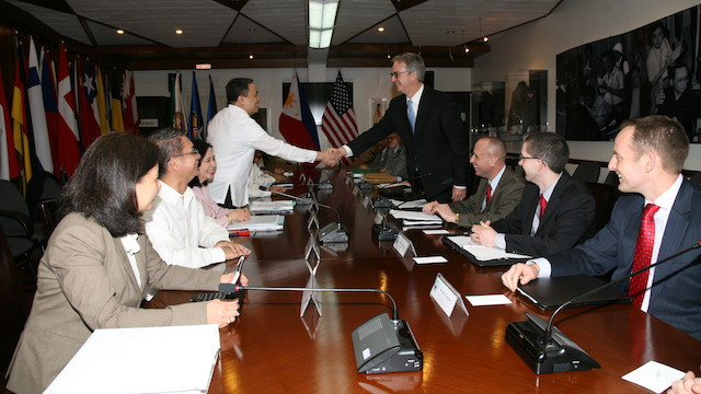 7TH ROUND: The Philippines and the US panels meet in Manila for the 7th round of talks. DND photo