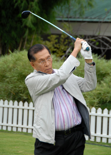 SWINGING BY. After 4 decades in government and his 88 years, Enrile remains to this day a controversial and colorful fixture in Philippine politics. File photo by Joe Arazas/Senate PRIB