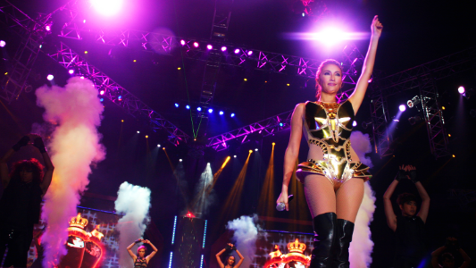 GOLDEN GIRL. Solenn Heussaff in one of her many performances of the night