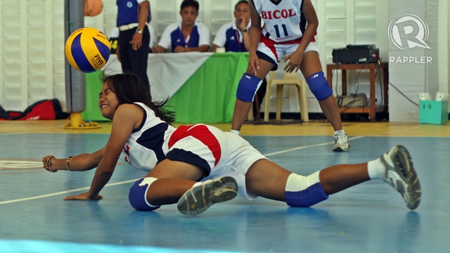 VOLLEYBALL. Photo by Rappler/Kevin dela Cruz.
