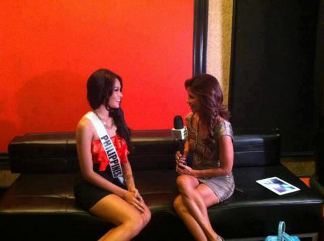Janine being interviewed by ABS-CBN's Dyan Castillejo in a story that was aired on December 7. Photo from the Janine Mari Raymundo Tugonon Facebook page