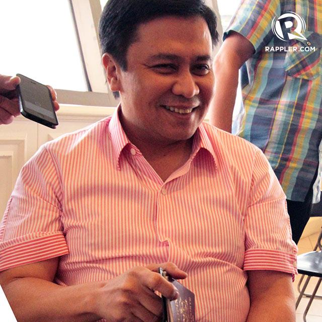 REGULAR PASSPORT. Sen Jinggoy Estrada says he is traveling to the US on a regular, and not a diplomatic, passport. Photo by Jedwin Llobrera/Rappler