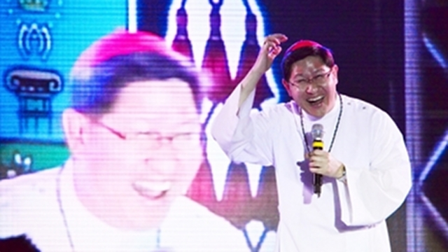 'JOLLY CARDINAL.' Manila Archbishop Luis Antonio Tagle humors the youth at a thanksgiving event in 2012. Photo from the Manila Archdiocese's website