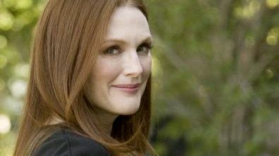 OBAMA FAN. Actress Julianne Moore joined the call-out for Obama votes. Image from Facebook