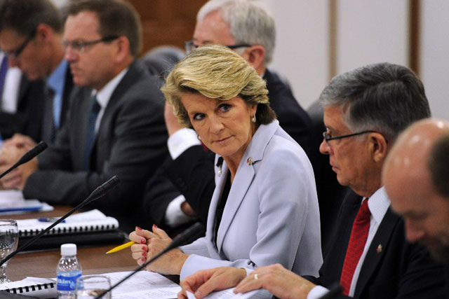 TOP DIPLOMAT. Australian Foreign Minister Julie Bishop (center) introduces members of her delegation at the start of their bilateral meeting with Philippine Foreign Secretary Albert del Rosario (not in photo) in Manila on Feb 20, 2014. Photo by Ted Aljibe/AFP