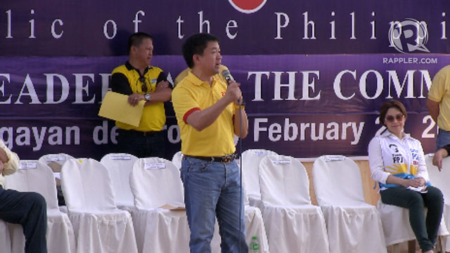 SINGING SENATOR. Sen Koko Pimentel enthralled his hometown and added to the lively spirits by singing to the crowd. Photo by Natashya Gutierrez.