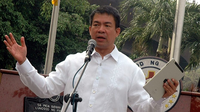 "FULL TERM? Sen Koko Pimentel says he is running for reelection to get a full term after serving what he calls an ""artificial term"" of less than 2 years. File photo from Pimentel's Facebook page"