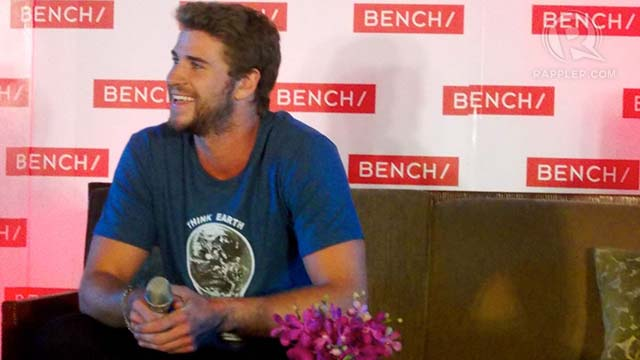 SIMPLE GUY. Liam Hemsworth is earthy, simple, and laid-back -- so is his style. Presscon photos by Peter Imbong
