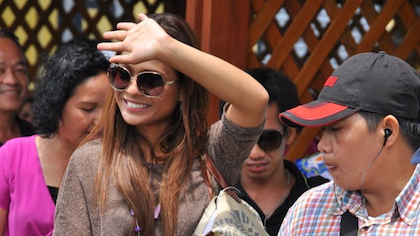 Actress Lovi Poe waves to fans waiting outside the Bongao airport. (Photo courtesy of Vice-Gov Ruby Sahali)