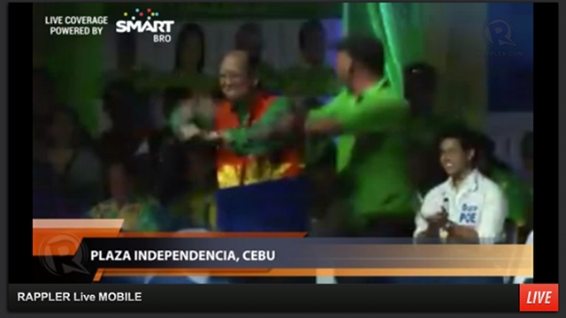 "NO STOPPING HIM. Former Sen Ernesto Maceda dances to ""Gangnam Style"" in the UNA proclamation in Cebu City. He also performs the dance in other sorties and rallies."