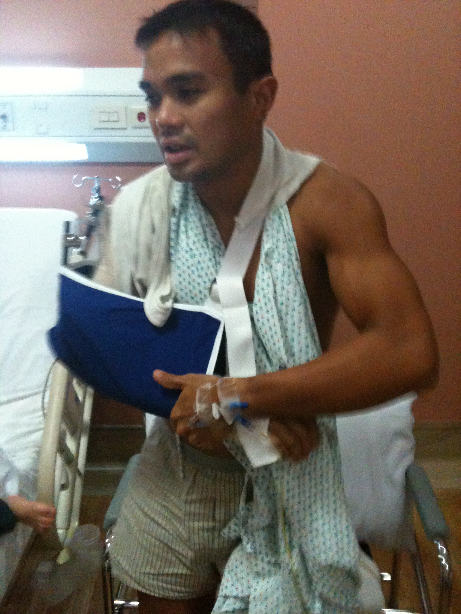 NO EXCUSES. Martin Lorenzo started doing exercises from his hospital bed on the road to recovery. Photo from Martin Lorenzo.